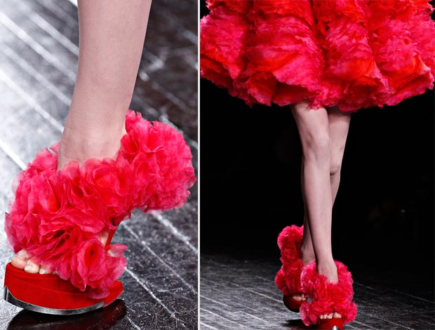 Effie Trinket Wears Red McQueen Dress And Shoes: Hunger Games Catching Fire