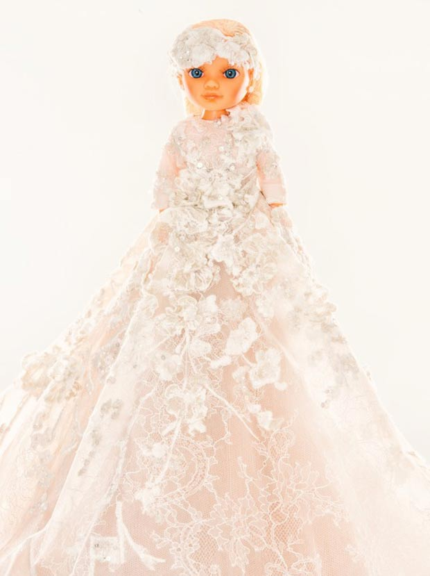 32 Fashion Designers Dolls For Charity