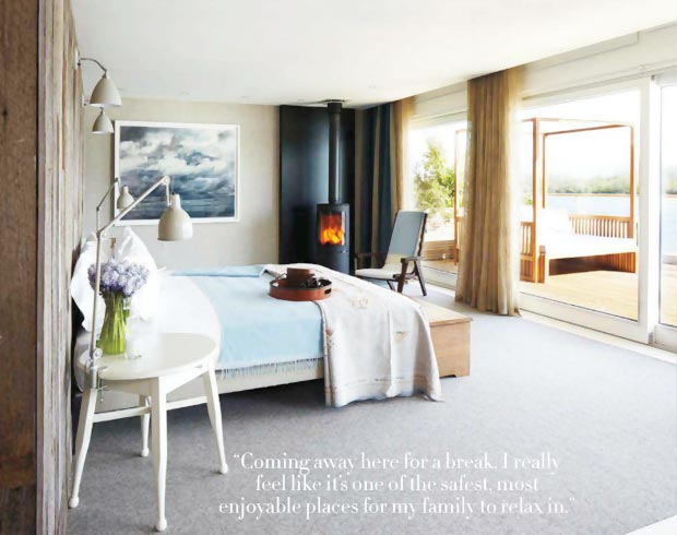 Elle MacPherson home in Cotswolds bedroom
