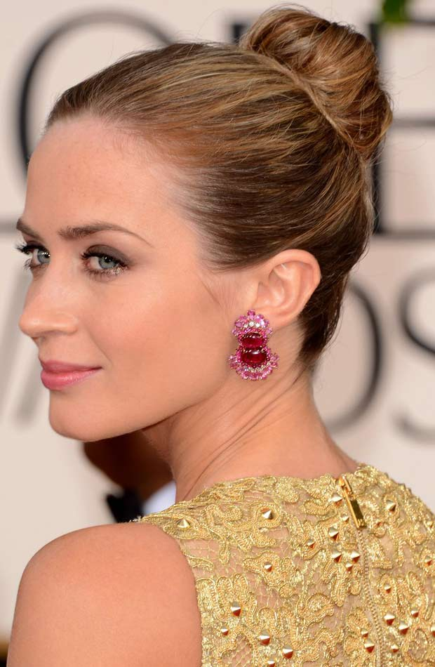 Emily Blunt hair makeup jewelry 2013 Golden Globes