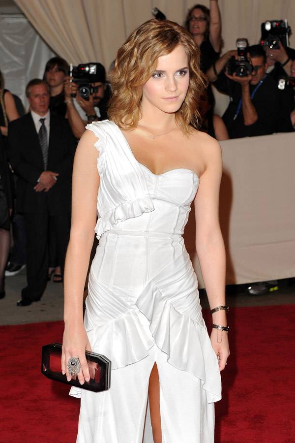 Emma Watson White Burberry dress Met Gala 2010 2