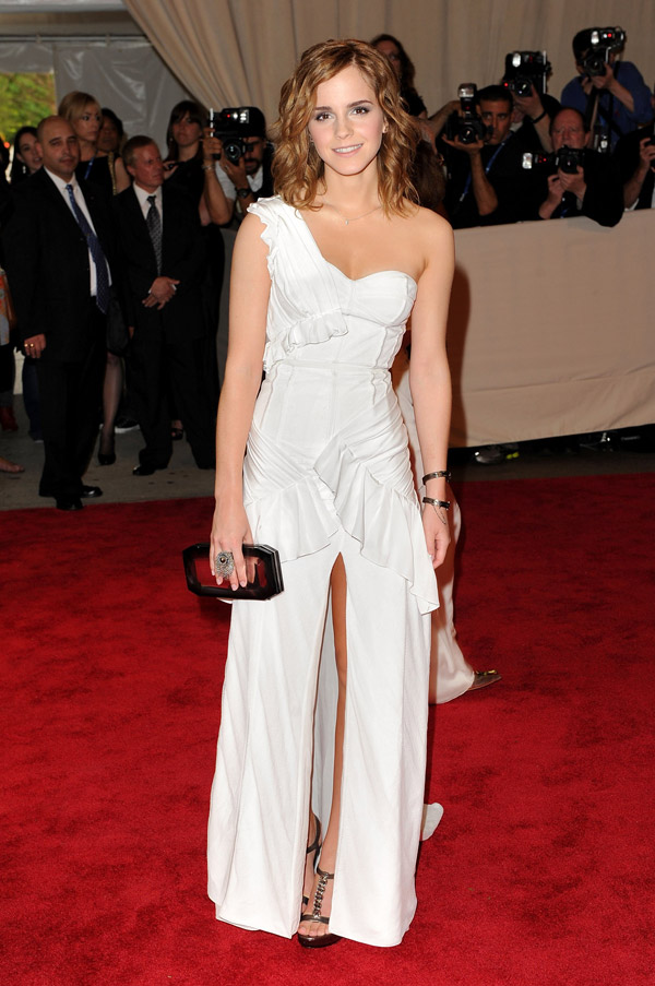 Emma Watson White Burberry dress Met Gala 2010 3