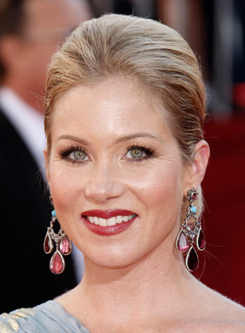 Emmy Awards 2008 Christina Applegate hairstyle and makeup