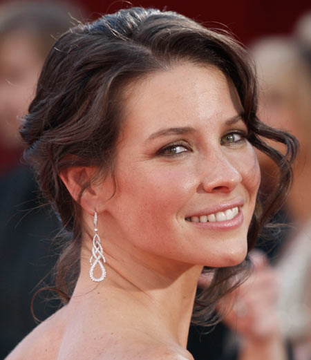 Emmy Awards 2008 Evangeline Lilly hairstyle and makeup