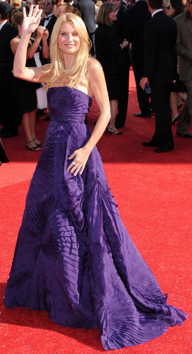 Emmy Awards 2008 Nicollette Sheridan Angel Sanchez dress