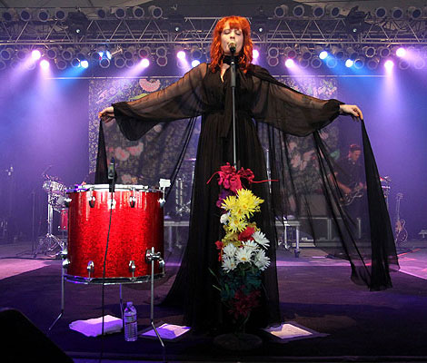 Florence Welch in Gucci on Stage