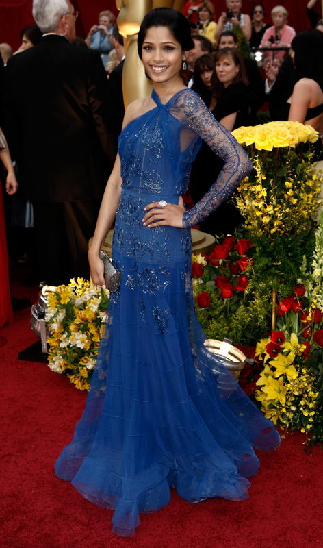 freida pinto john galliano dress oscars 2009 3