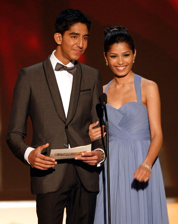 Freida Pinto In Lilac Marchesa Dress At 2009 SAG Awards