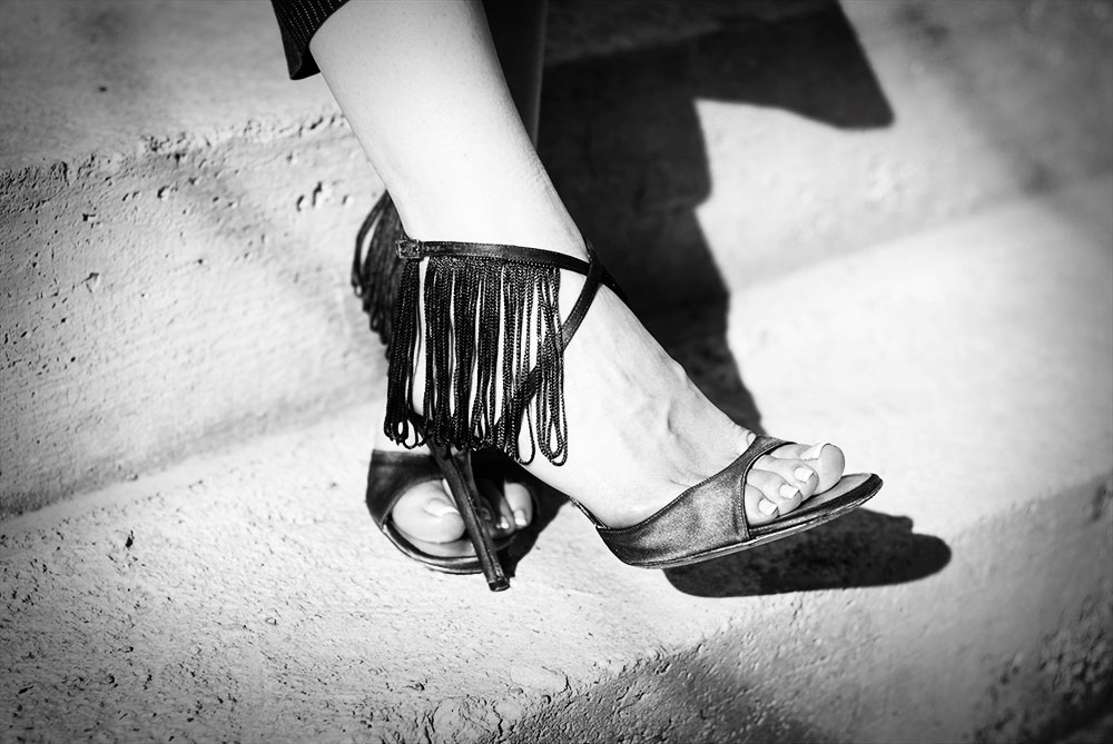 fringe heels diy black and white