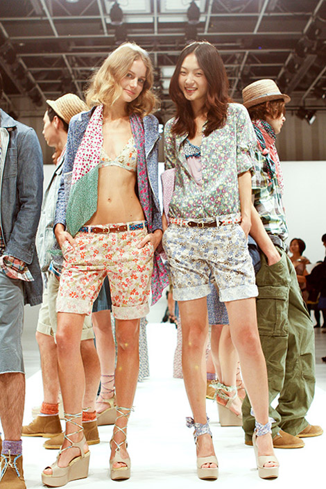 GAP Spring Summer 2010 collection short pants