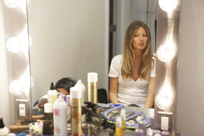 Gisele Bundchen London Fog ad behind the scenes 2