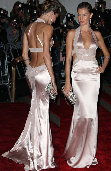 Gisele Bundchen in Versace at The Met Gala
