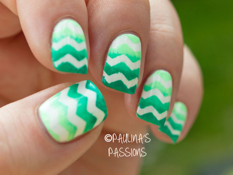 green gradient chevron nails for spring