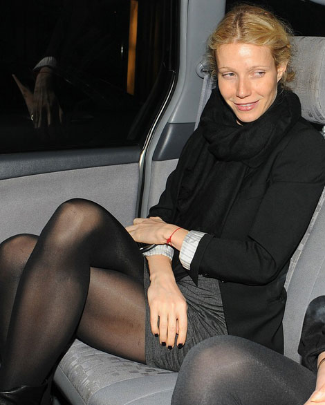 Gwyneth Paltrow black nails