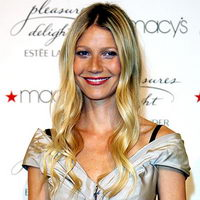 Gwyneth Paltrow red lips