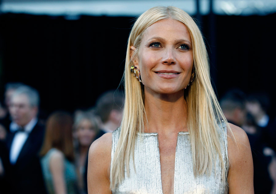 Gwyneth Paltrow silver sequined Calvin Klein dress 2011 Oscars 1