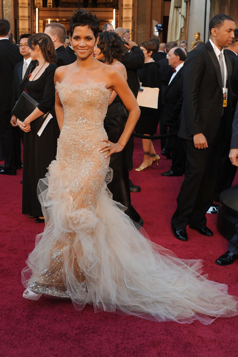 Halle Berry Marchesa dress 2011 Oscars
