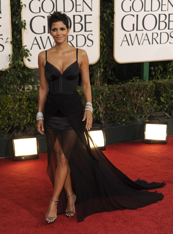Halle Berry black Nina Ricci dress Golden Globes 2011 2
