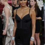 Halle Berry black Nina Ricci dress Golden Globes 2011 3