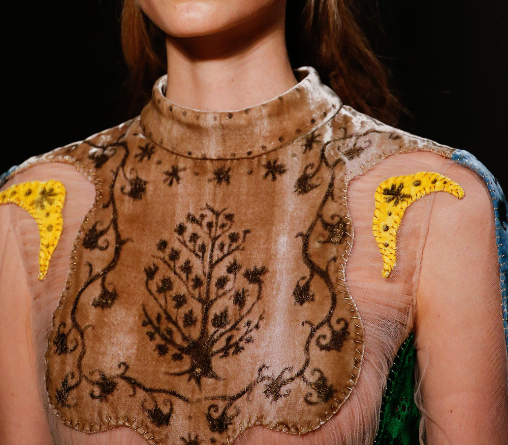 Haute Couture Spring 2016 Valentino stitching