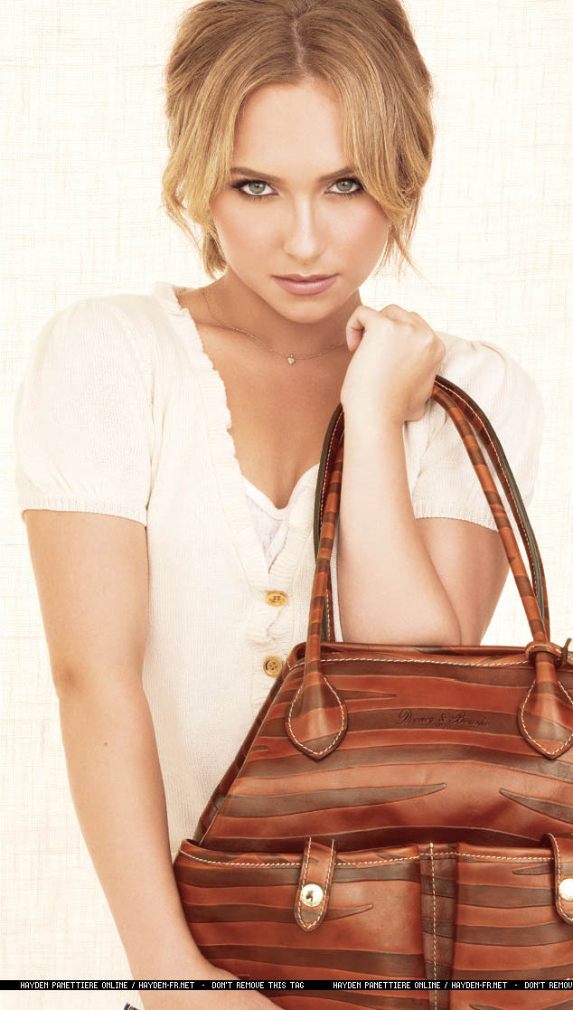 Hayden Panettiere Dooney and Bourke ad campaign 3
