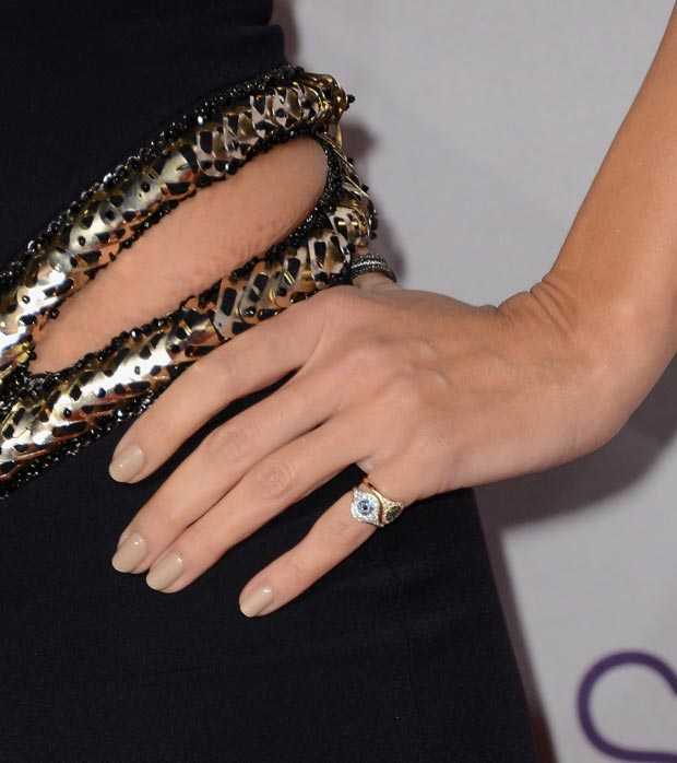 Heidi Klum s jewelry and nails People s Choice Awards 2013