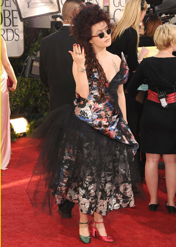 Helena Bonham Carter's Vivienne Westwood Dress, Mismatch Shoes For Golden Globes 2011