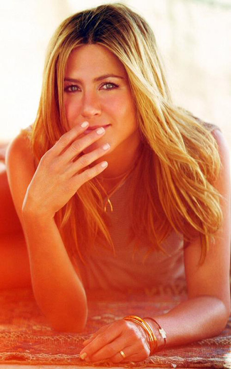 Jennifer Aniston Does Harper's Bazaar UK May 2010