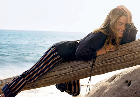 Jennifer Aniston Vogue December 08