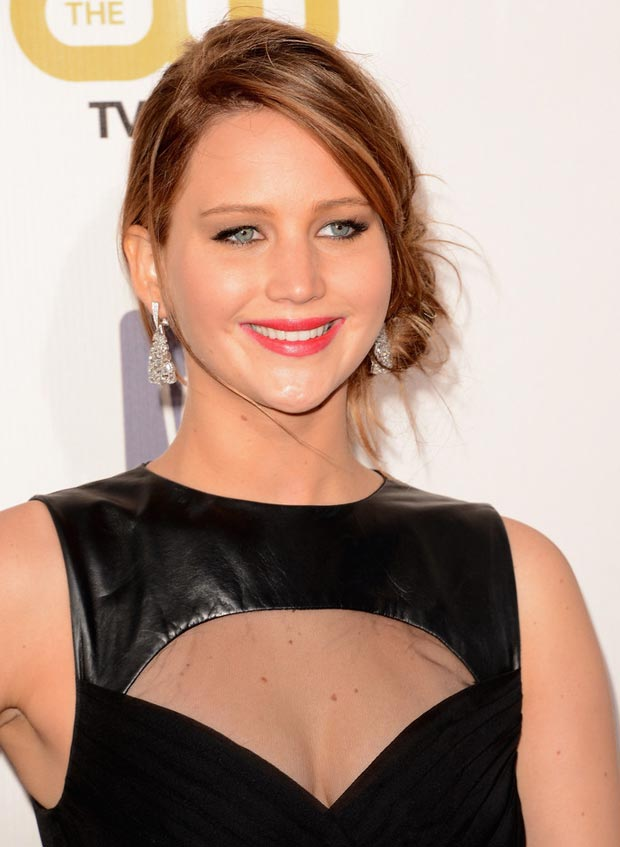 Jennifer Lawrence hair makeup Critics Choice Awards 2013