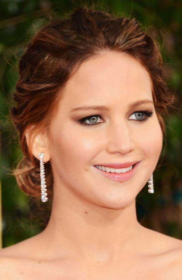 Jennifer Lawrence hair makeup jewelry 2013 Golden Globes