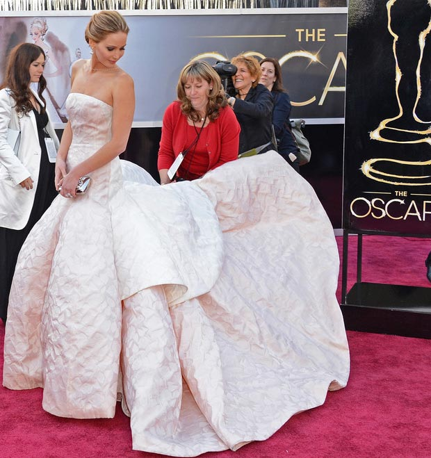 Jennifer Lawrence Oscars dress train help