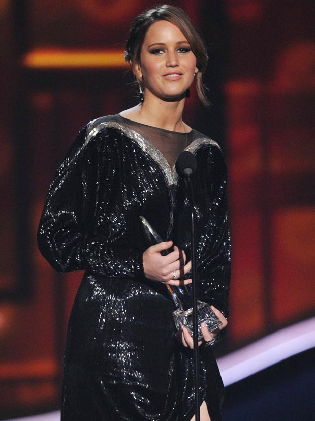 Jennifer Lawrence's Valentino Black Sequined Dress, People's Choice Awards 2013