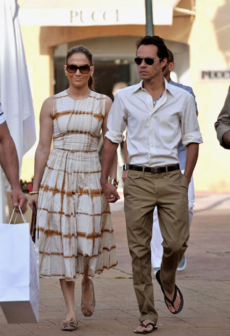 Jennifer Lopez with husband Marc Anthony shopping