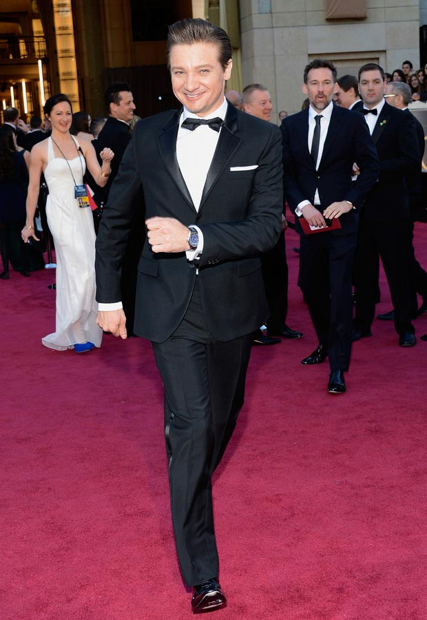 Jeremy Renner dancing 2013 Oscars Red Carpet