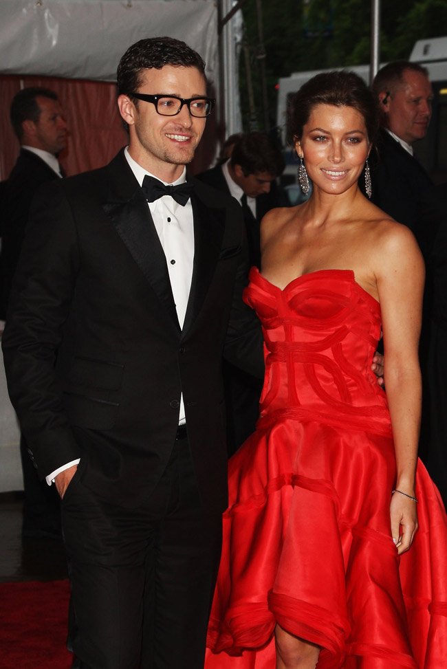 jessica biel versace dress met gala 2009 2