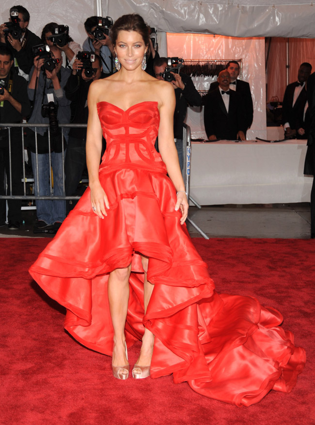 jessica biel versace dress met gala 2009 5