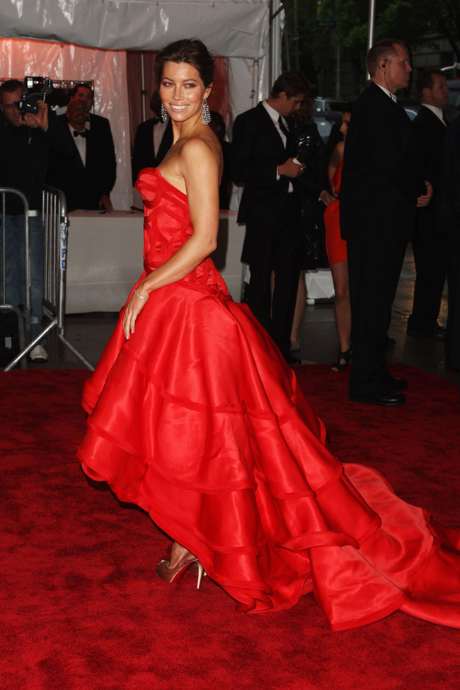 jessica biel versace dress met gala 2009 6