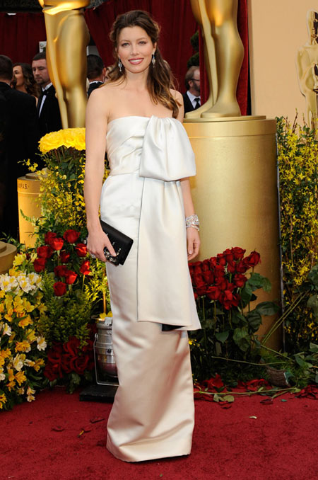 8b13f329 Jessica Biel white Prada Oscars 09 - StyleFrizz | Photo Gallery