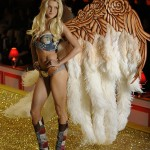 Jessica Stam Victoria s Secret Fashion Show 2010 2