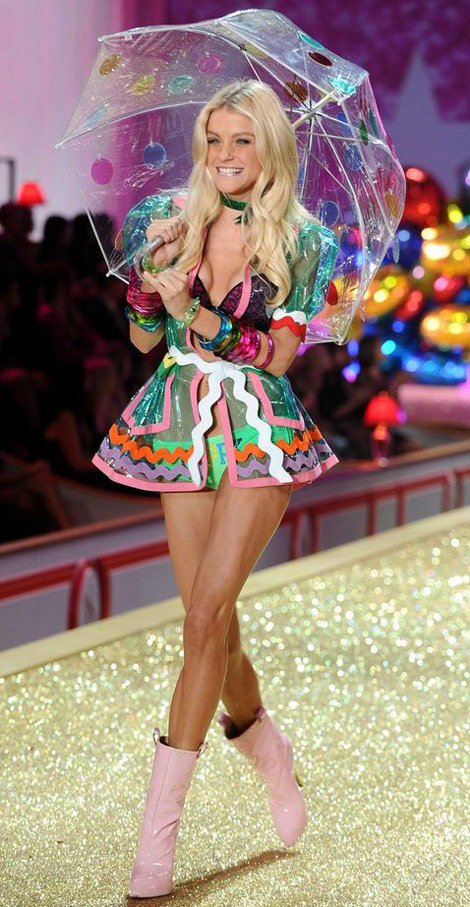Jessica Stam Victoria s Secret Fashion Show 2010 pink