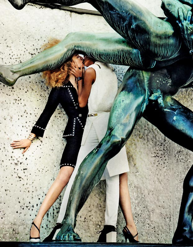 Joan Smalls Raquel Zimmermann kiss make out V