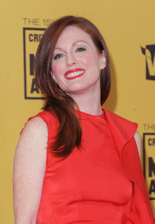 Julianne Moore Critics Choice Awards 2010 1