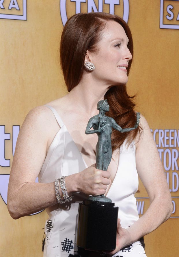 Julianne Moore hair jewelry 2013 SAG Awards