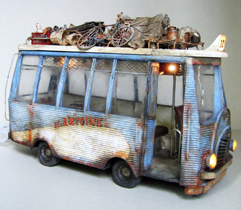 Julien Martinez toy bus