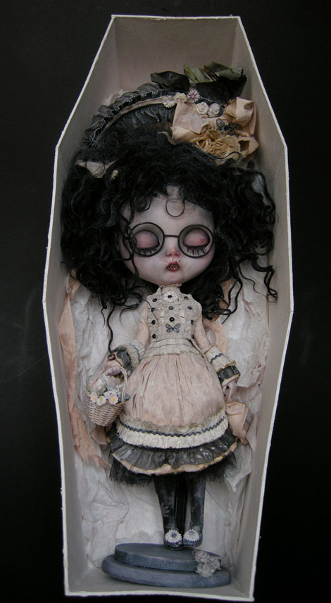 Julien Martinez Veruka doll coffin