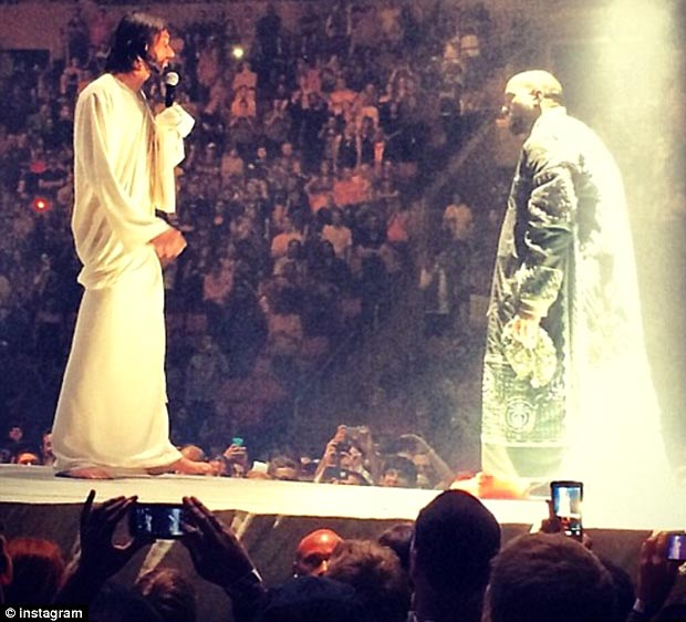 Kanye West new tour Jesus stage
