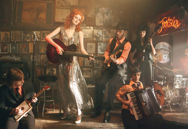 Karen Elson Jack White by Annie Leibovitz Vogue 3