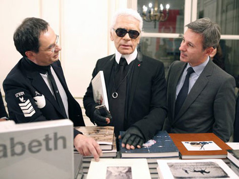Karl Lagerfeld's New Perfume Paper Passion To Smell Like Books