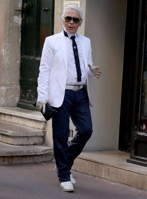Karl Lagerfeld Takes His Summer Wardrobe To Town